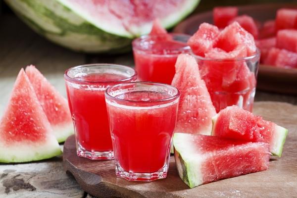 Сезонные фрукты   Есть ли у Вас любимый сезонный фруктягода   Я просто обожаю