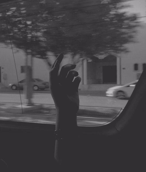 كان علي أن أسير بآلاف الطرقات لأنسى الطريق إليك  محمد التركي