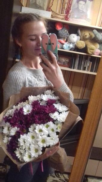 Какие цветы тебе больше нравятся по виду а какие  по запаху