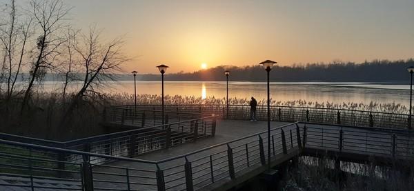 Możliwość najlepszego zdjęcia wschody czy zachody słońca