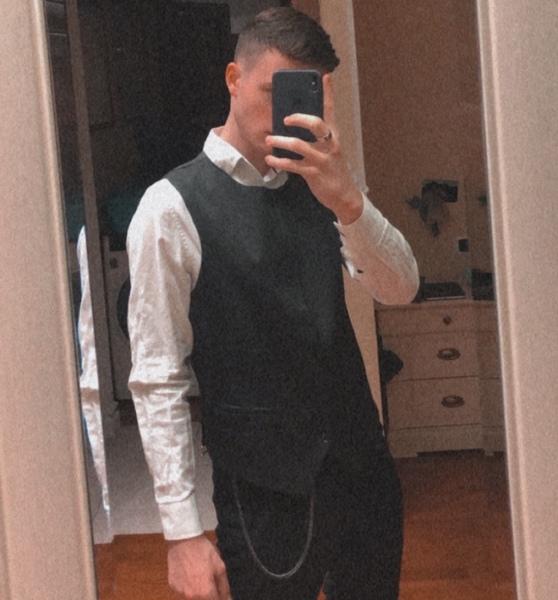 Preferisci vestirti elegante o sportivo