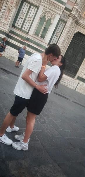 chi è lultima persona che hai baciato