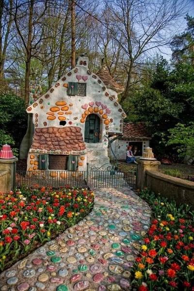 قرية سنو وايت و الأقزام السبعة في بلجيكا   لا أعتقد أنه يوجد أجمل من هذا