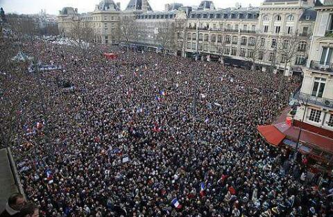 مليون و نصف المليون متظاهر في باريس و مليون آخرين في باقي البلاد  خرجوا ضد