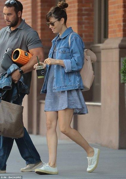 Którą stylizację Jessici mogłabyś ubrać na czerwcowy wypad na miasto z