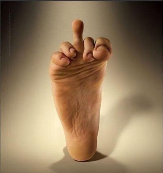 Foto von deinen füssen bitte