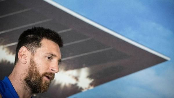 Barcelona i przedstawiciele Messiego jak zawsze rozmawiają o przyszłości ale