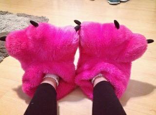 eii posta uma foto dos pés de agora rs pf