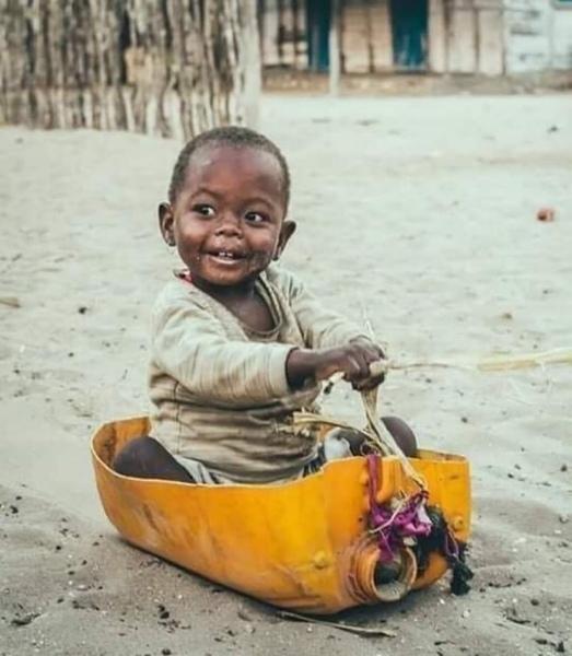 لا عليك بجمال سيارته   ركز على جمال ابتسامته وسعادته بها