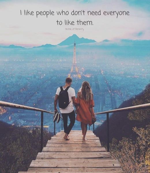 لم تعدني بأنك ستمسك يدي  وستمضي معي لآخر مكان في العالم    لم تعدني