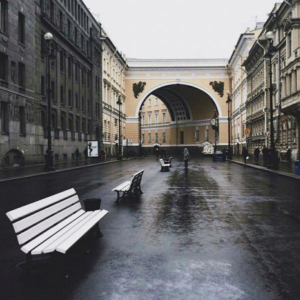 Москва или СанктПетербург