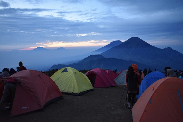 I heard that Prau is a beautiful mountain I wish i could go there someday after