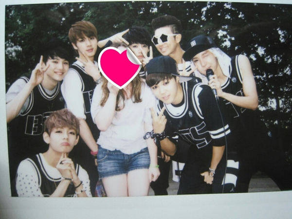 Omg eonni Your so lucky to took a pic with BTS  could you please show the pic Im