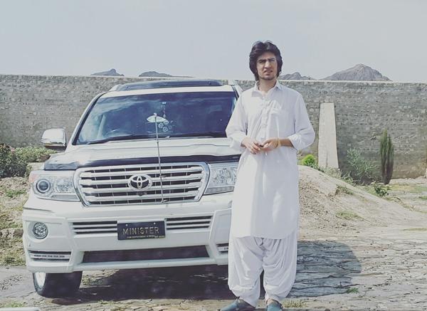 ShoiabAwan ye lo meri jaan mein pohunch gaya aur picture ley kar tujy tag karaha