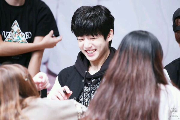 fav memory with jungkook at a fansign