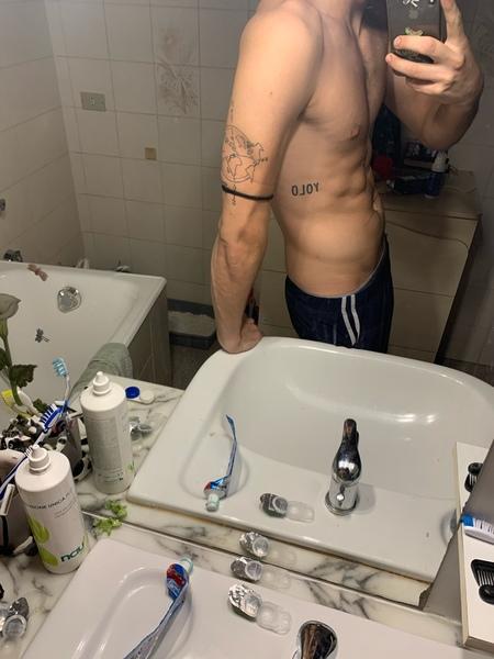 Ti piacciono i tatuaggi Ne hai Se si ti va di postarne una foto