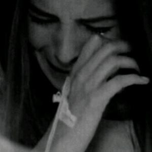 اوهمت نفسي بأن الفراق سهل و تناسيتك  فدمعت عيني حزنا و نبض قلبي الما ممزوج