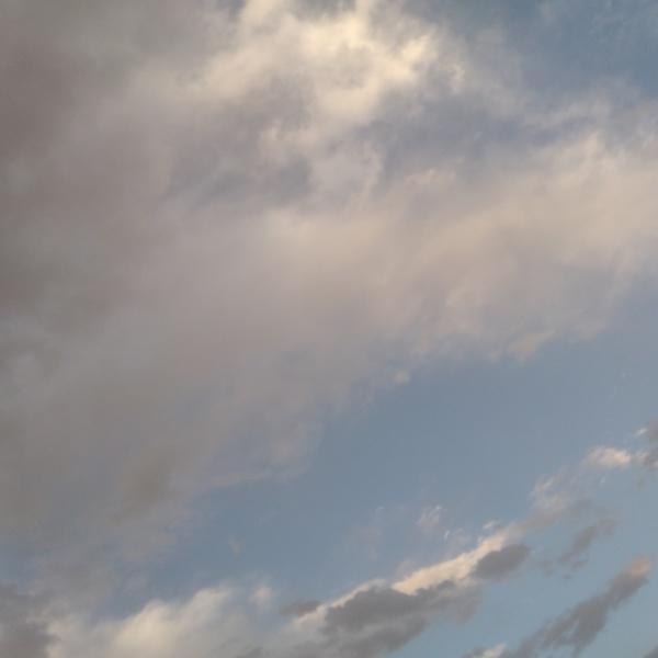 في هذا اليوم ترافقي السماء وما أحلاها من مرافق