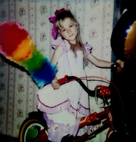 Какое было у тебя детство Оно было насыщенным идеальным Или происходило то что