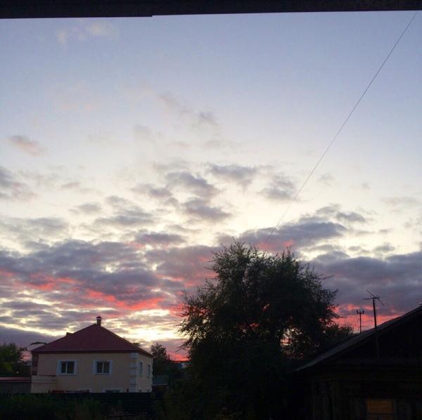 Сфотографируй и выложи вид из своего окна