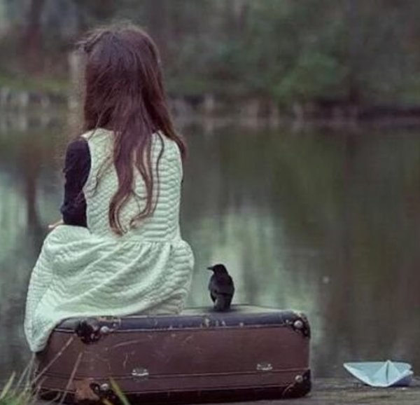 فيه لحظات احتاج للانعزال و الهروب من العالم لفترة  بدون أسباب أحد يعرفها أو