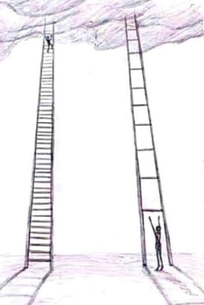 لا تستهين بخطواتك الصغيرة نحو النجاح فهي أسرع من أن تفني عمرك وأنت تنتظر الخطوة
