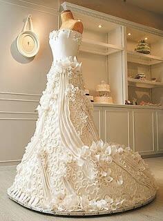En inanılmaz düğün pastasının fotoğrafını paylaş