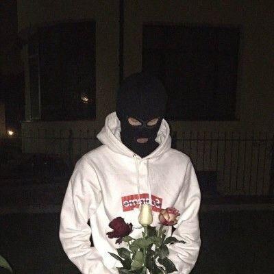Хотела расстаться с куном а он пришел на встречу с цветамипришлость проститьа