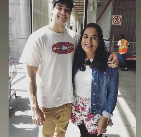 Nowe zdjęcie Noah z fanką w Vancouver 5 sierpnia
