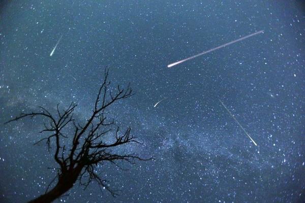 Почему когда падают звездынужно загадывать желание
