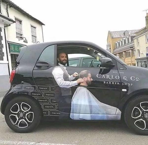 حلاق من بريطانيا إستخدم سيارته للإعلان عن عمله