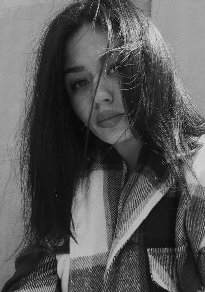 Чего А мне очень нравится  Ты похожа на девушку из какогото фильма Можно фотку