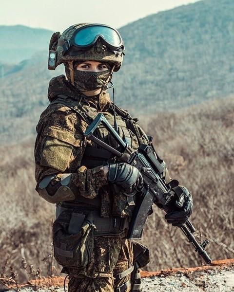 Служат ли девушки в армии