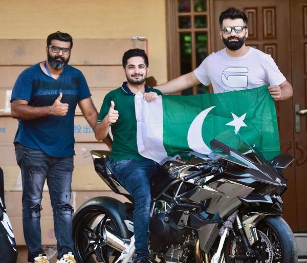 Congratulations  doctor zeeshan first Kawasaki H2R of Pakistan